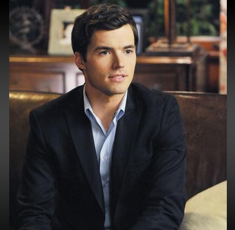 Pretty Little Liars Burning Question: Who Was Ezra Yelling At?