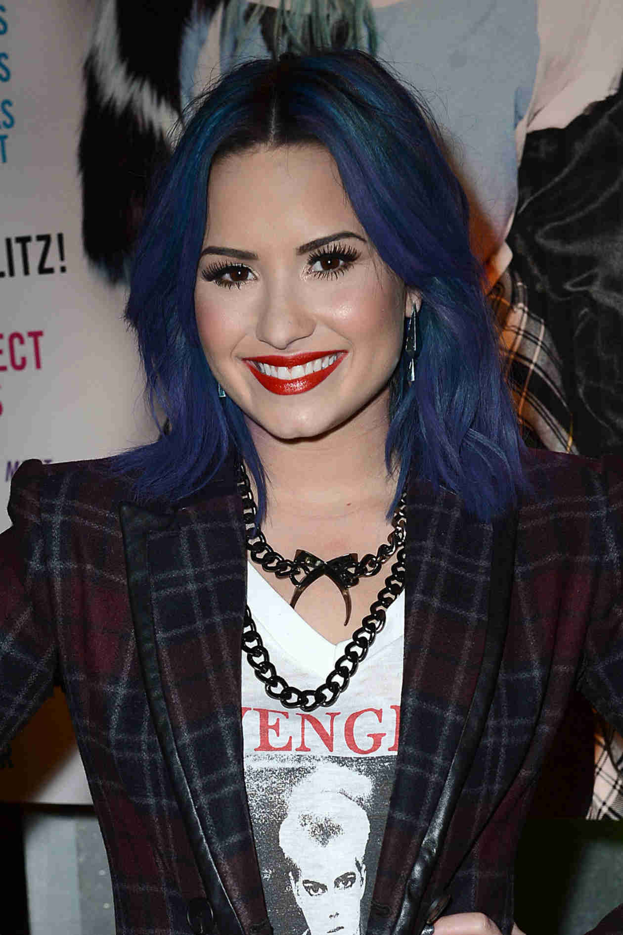 Demi Lovato Dyes Her Hair Bright Pink! See Her Bold New Look (PHOTOS)