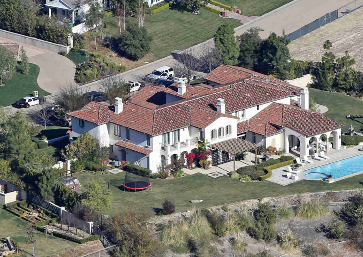 Justin Bieber Reportedly Selling Calabasas Mansion After Police Raid