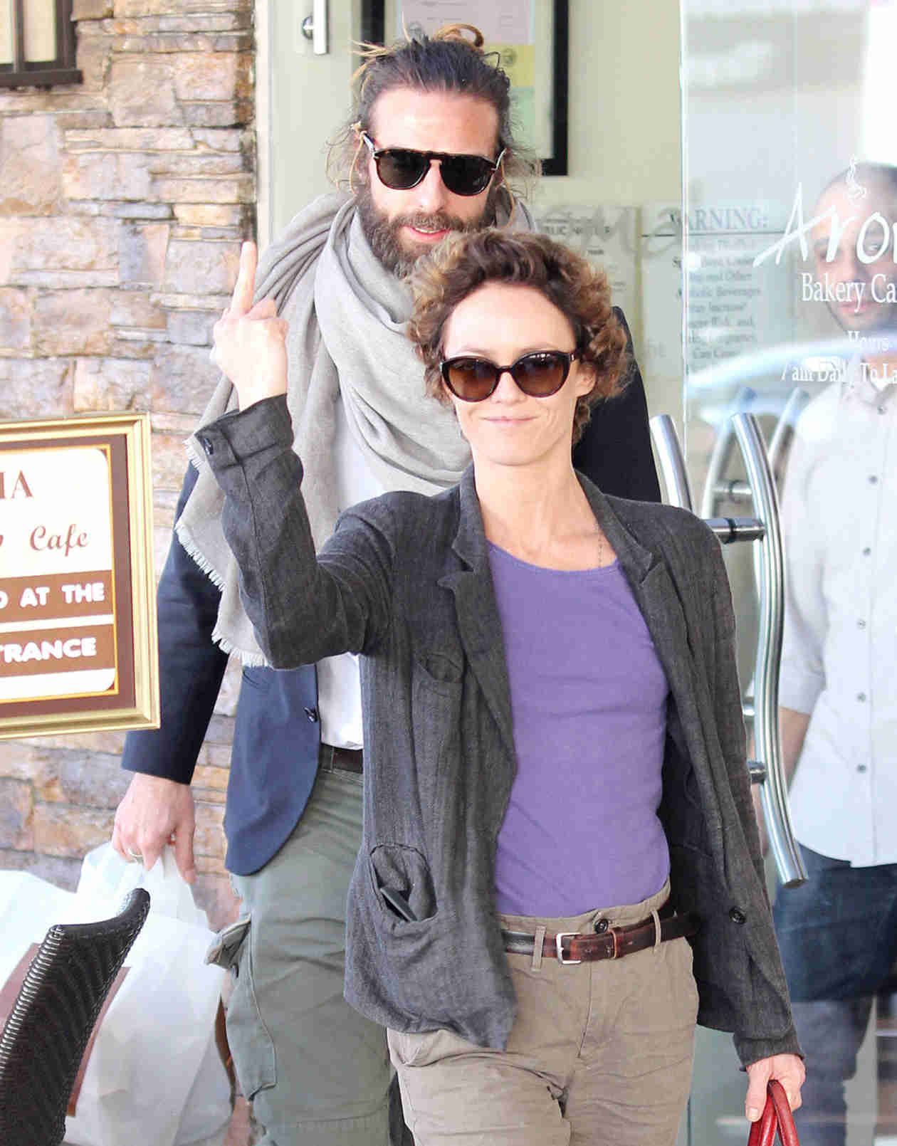 Vanessa Paradis Chops Off Her Hair Amid Rumors of Ex Johnny Depp's Engagement (PHOTOS)