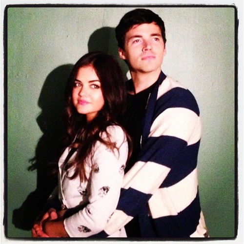 "Is Ezra ""A""? Clues From Pretty Little Liars Season 4, Episode 16 — ""Close Encounters"""