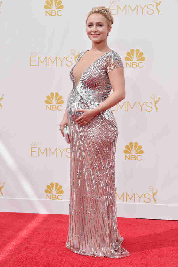 Pregnant Hayden Panettiere Is About to Pop — See Her Bikini Baby Bump Pic! (VIDEO)