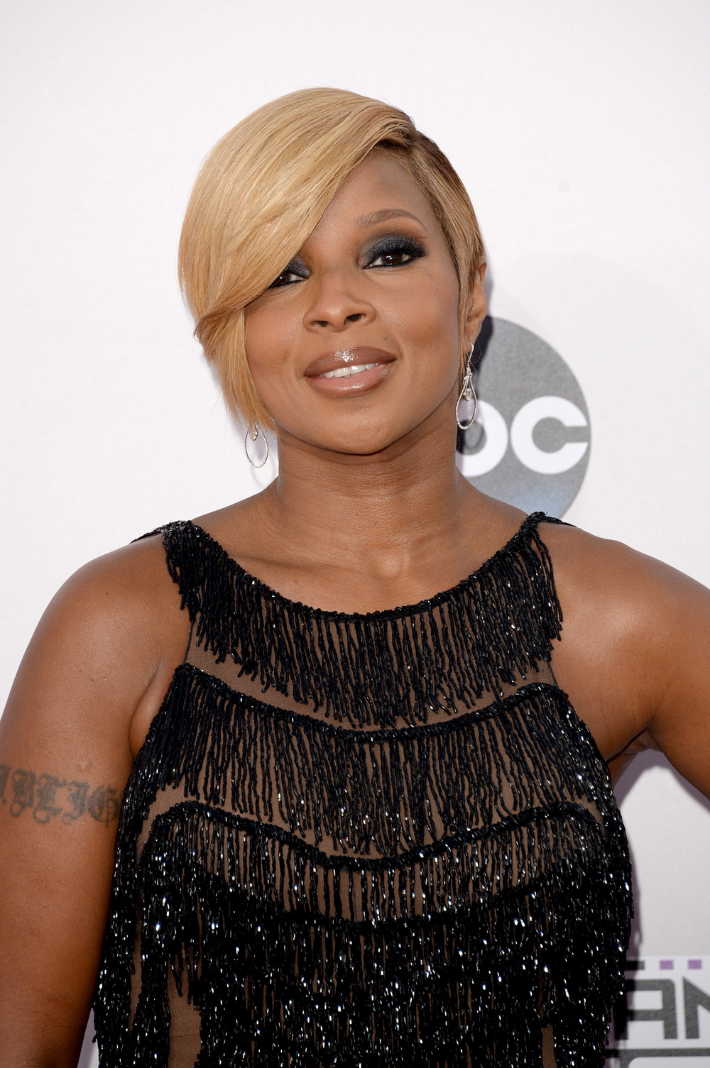 "Mary J. Blige Comes Clean About Getting Sober — ""I'm Real With Myself"""