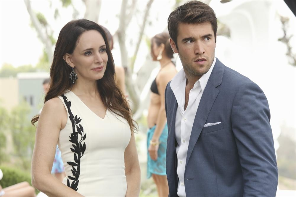 Revenge Spoilers: Is There a Midseason Flash-Forward?