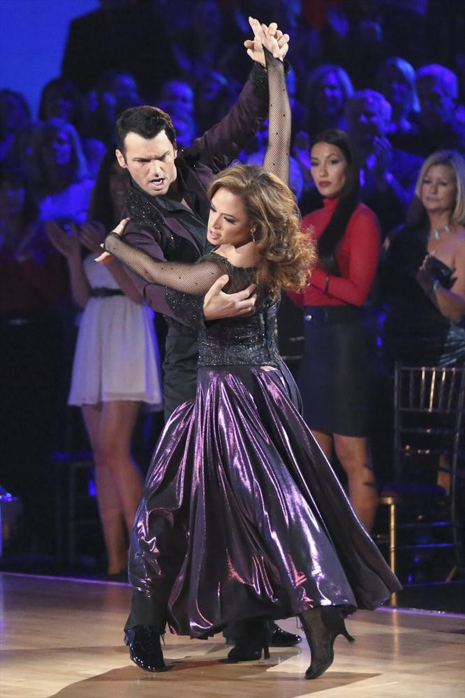 Watch Dancing With the Stars' Tony Dovolani and Leah Remini Reunite on The Exes Next Week