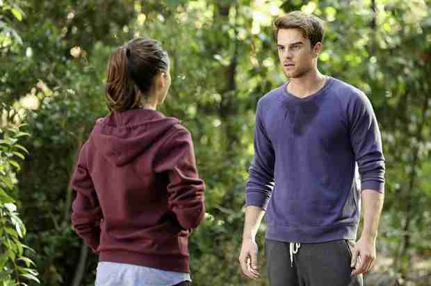 Pretty Little Liars Season 4, Episode 22 Spoilers: 15 Things We Learn From the Promo