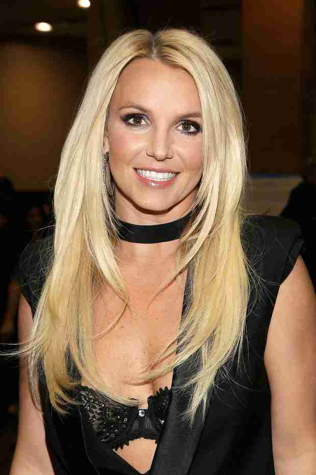 Woops! Britney Spears Caught Lip-Synching During Las Vegas Show (VIDEO)