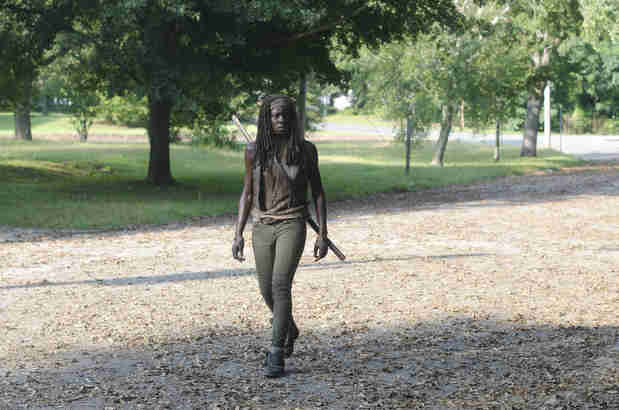 The Walking Dead Season 4: Danai Gurira Defends Michonne's No-Smile Attitude
