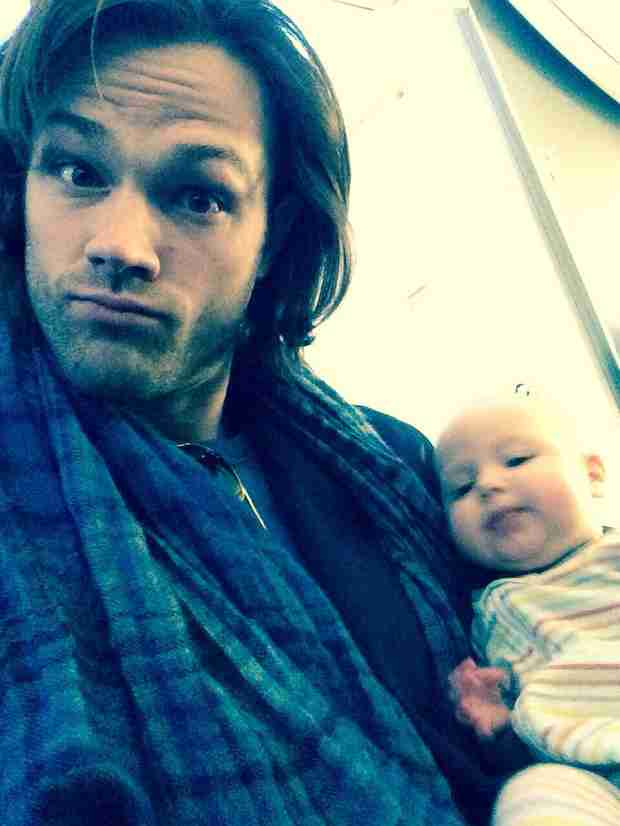 Jared Padalecki Holds Stephen Amell's Baby — Hot Dad Bromance! (PHOTO)