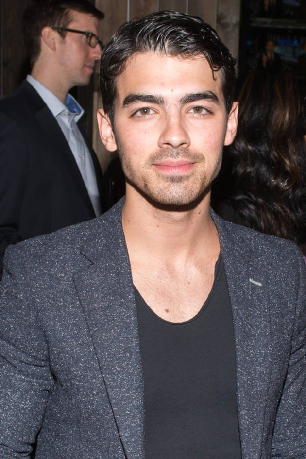 """Joe Jonas's Advice to Selena Gomez and Justin Bieber: """"Learn From Others' Mistakes"""""""