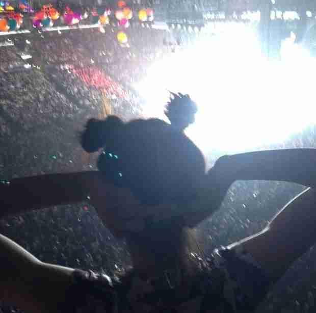 Khloe and Kourtney Kardashian, Kendall Jenner Attend Miley Cyrus Concert — Kendall Flips Off Camera!