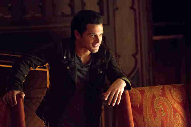 The Vampire Diaries Season 5, Episode 13 Promo Breakdown — Damon's Dark Side