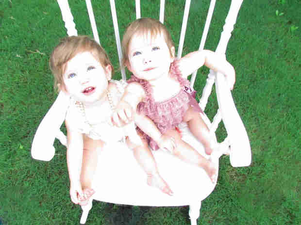 The Walking Dead Season 4: Who Plays Judith Grimes? Meet the Twin Babies!