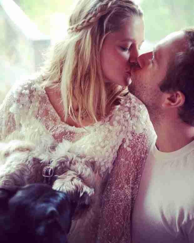 Teresa Palmer Marries Mark Webber (Again!) at Nine Months Pregnant