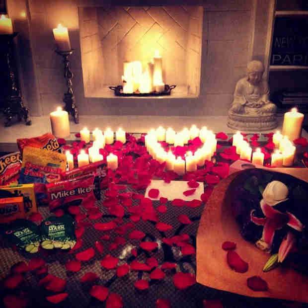 Pretty Little Liars' Shay Mitchell Has Romantic Movie Night With Boyfriend Ryan Silverstein (PHOTO)