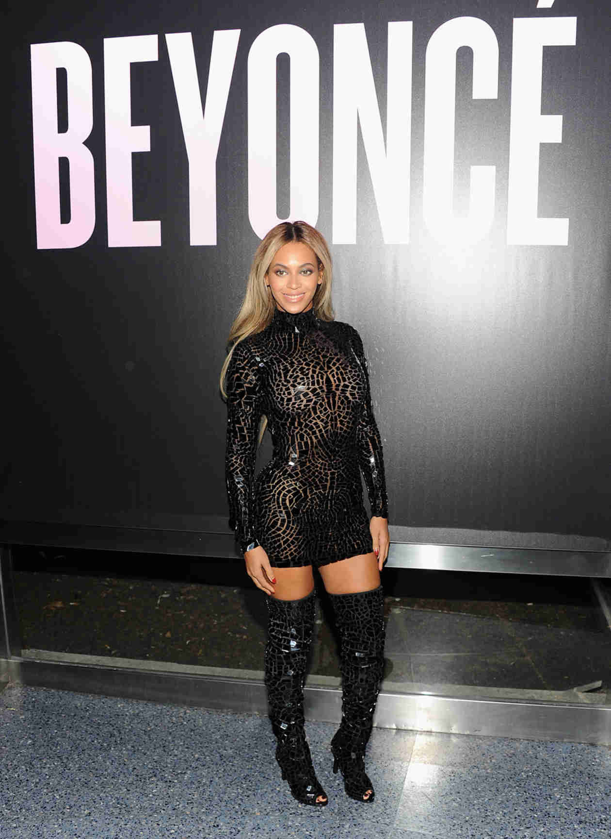 "Beyonce's Sexy Image Dissed by THIS Actress: Bey Needs to ""Take Responsibility"" and Stop ""Grinding"""
