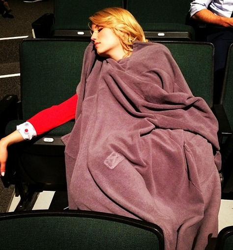 "Sleeping Dianna Agron: Glee Co-Star Snaps Sweet Pic of ""Beautiful"" Di"