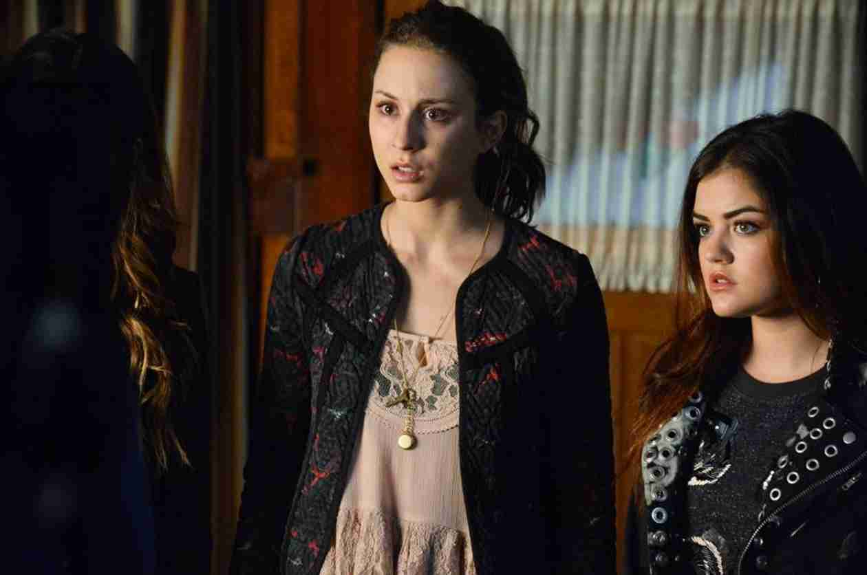 "Pretty Little Liars Music: Songs From Season 4, Episode 20: ""Free Fall"""