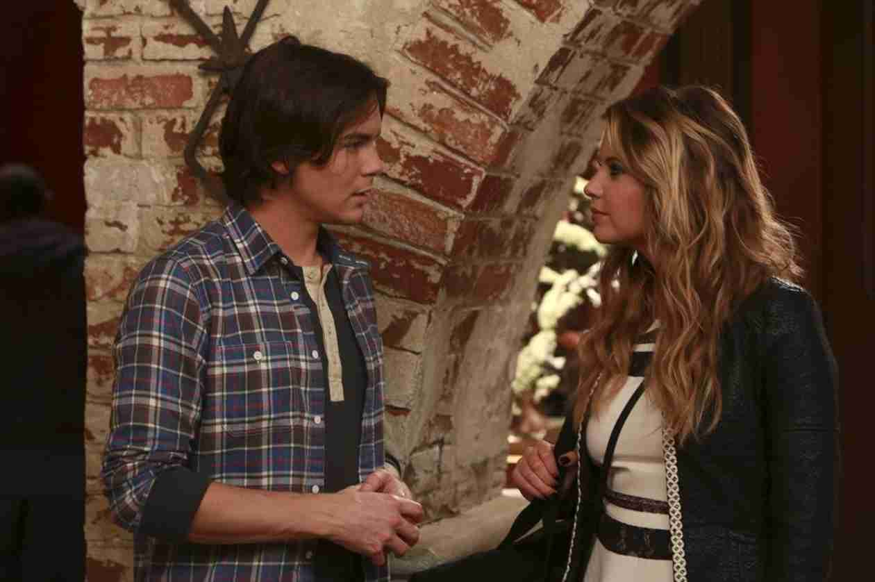 "Tyler Blackburn Talks Ravenswood Finale, ""Danger"" For Hanna, and Caleb's Beyoncé Moment — Exclusive"