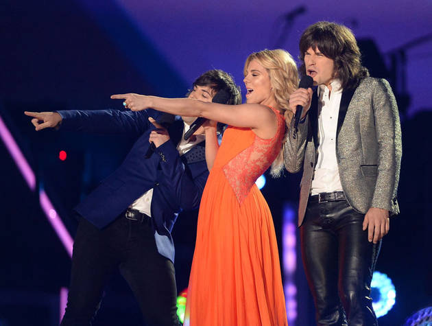 The Voice Season 6: Blake Shelton Scores The Band Perry As Mentors