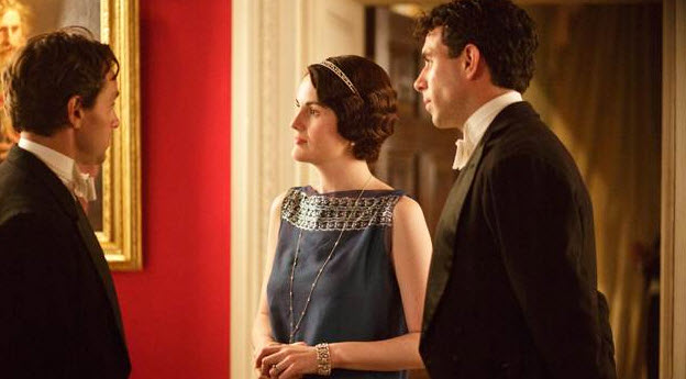 Downton Abbey Season 5 Spoiler: Lady Mary Is Kissing Which Suitor?