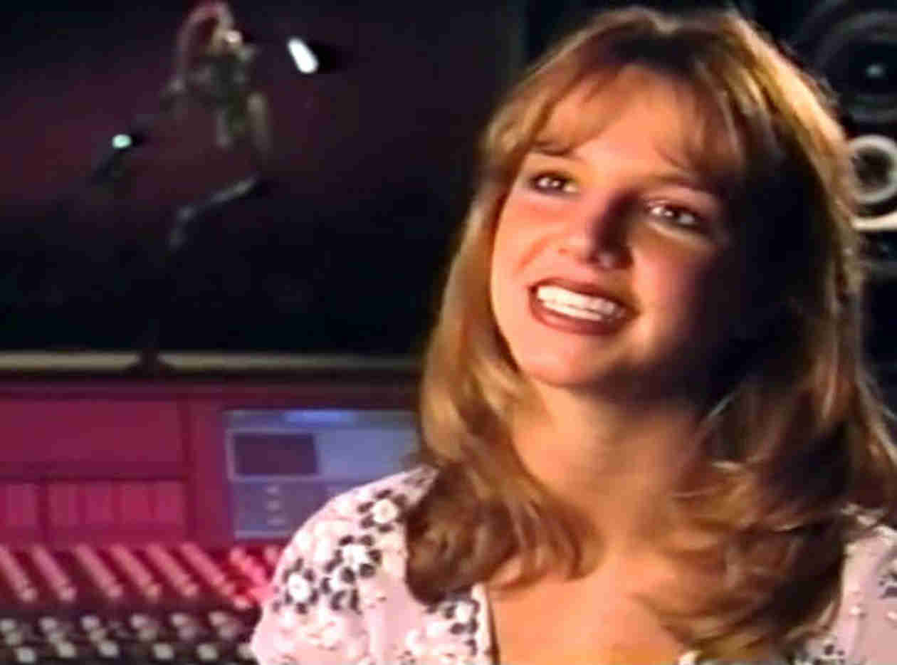 Britney Spears Teaches Us About Funky, Cool Emails in Throwback Thursday Video