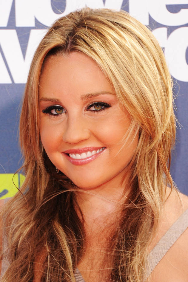 "Amanda Bynes Completes First Quarter at FIDM, Really ""Loves Her School"" — Report (VIDEO)"