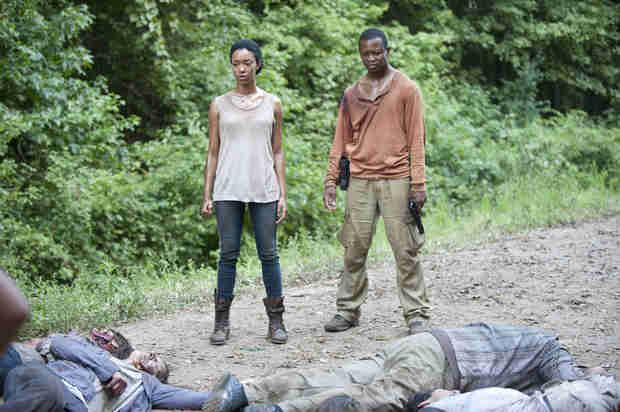Sneak Peek of The Walking Dead Season 4 Episode 13: Bob Is in Danger! (VIDEO)