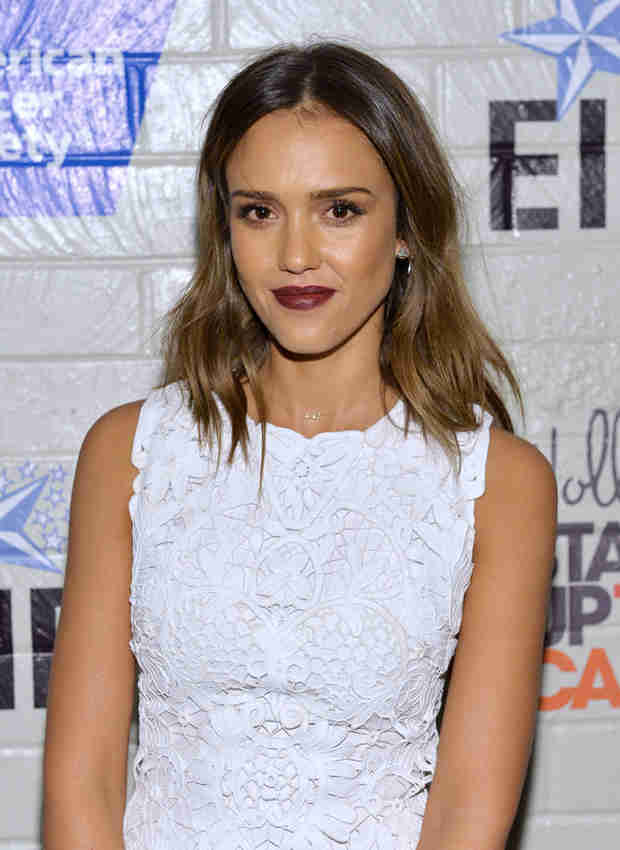 Jessica Alba Reveals Her Addictions: Instagram and Craigslist
