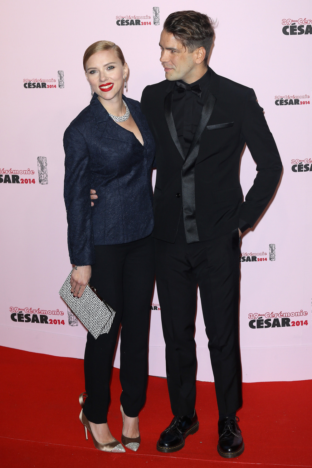 Scarlett Johansson Pregnant With Her First Child: Report — Who's the Father? (VIDEO)
