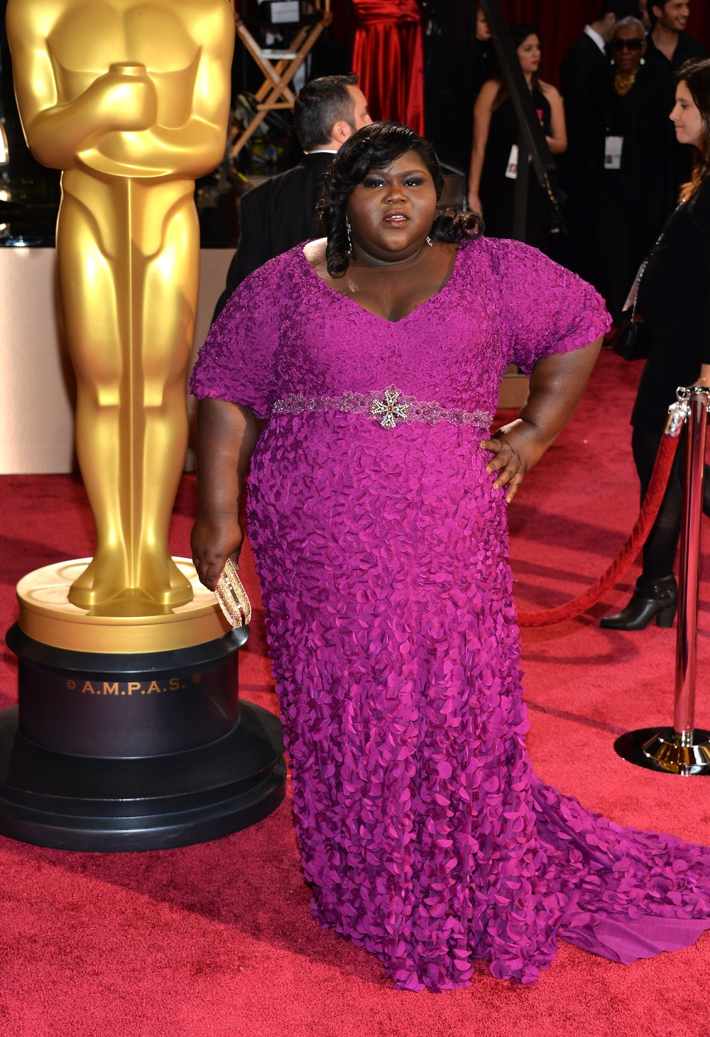 Oscars 2014: Gabourey Sidibe Stuns in Purple on the Red Carpet (PHOTO)