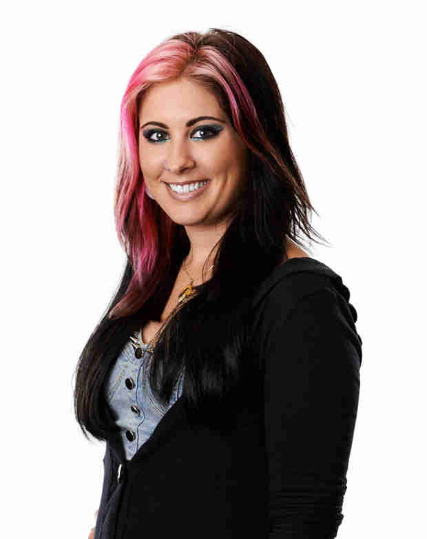 """Watch Jessica Meuse Sing """"White Flag"""" in American Idol 2014 Top 12 — March 5, 2014"""
