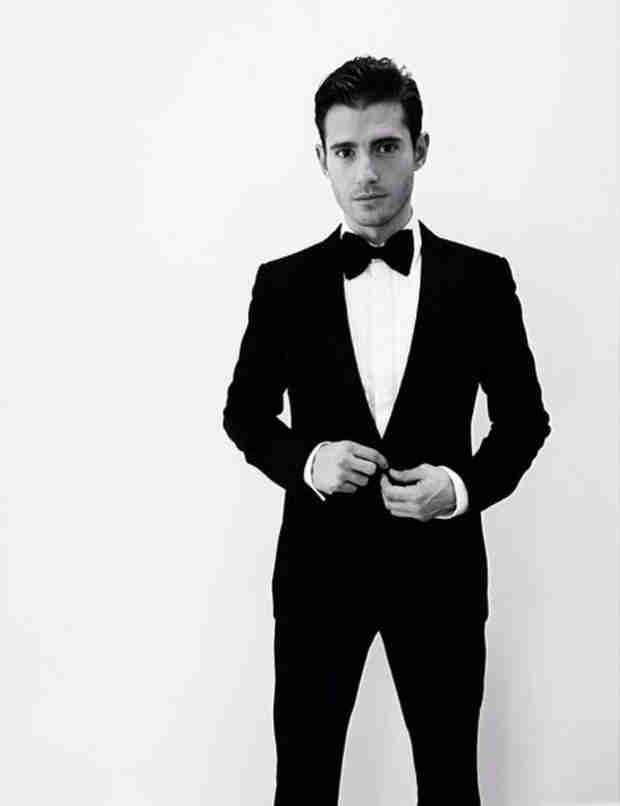 Julian Morris Looks Dapper at Oscars 2014 After Party (PHOTO)