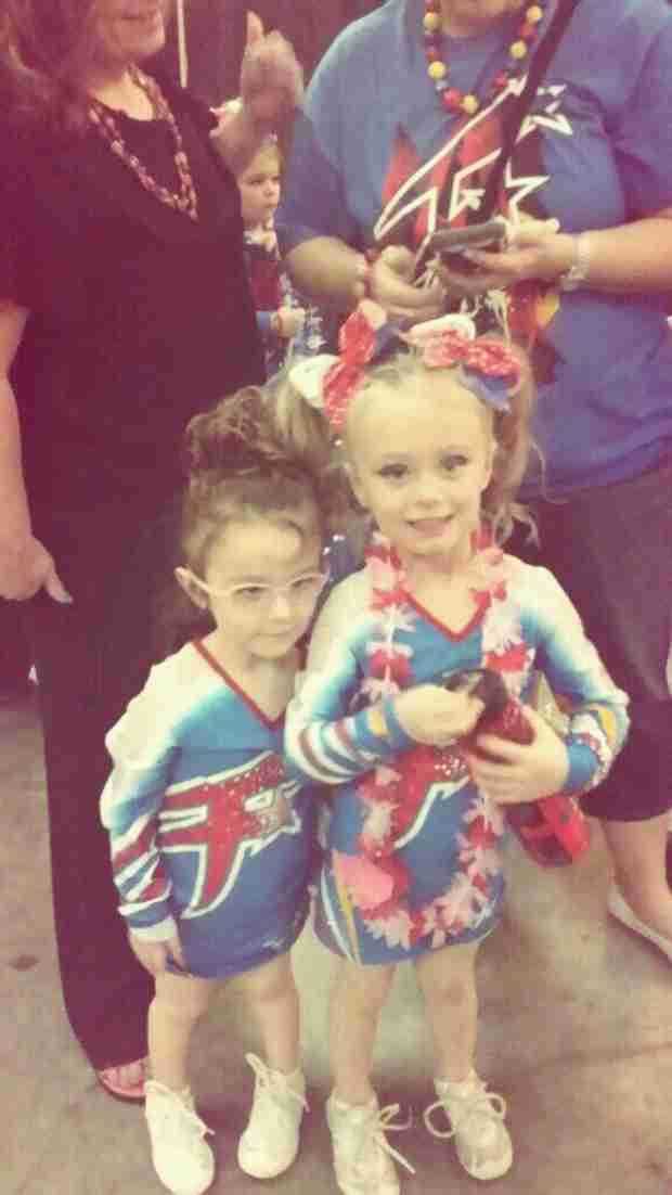 Leah Messer's Twins Look Adorable in Their Cheerleader Outfits (PHOTO)