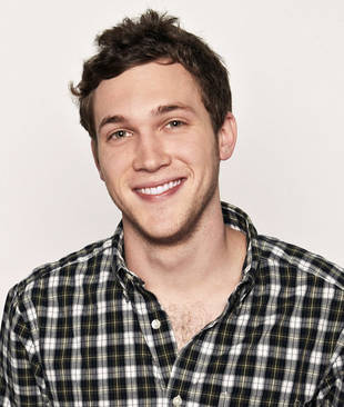 "Phillip Phillips on His Return to American Idol This Week: ""I'm Scared To Death!"""