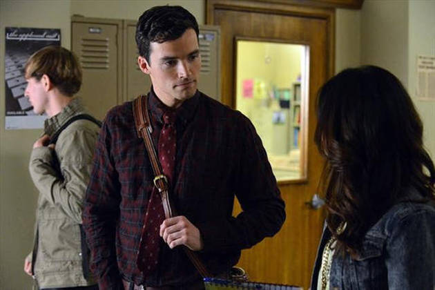 "Pretty Little Liars Burning Question: Will ""A"" Go After Ezra?"