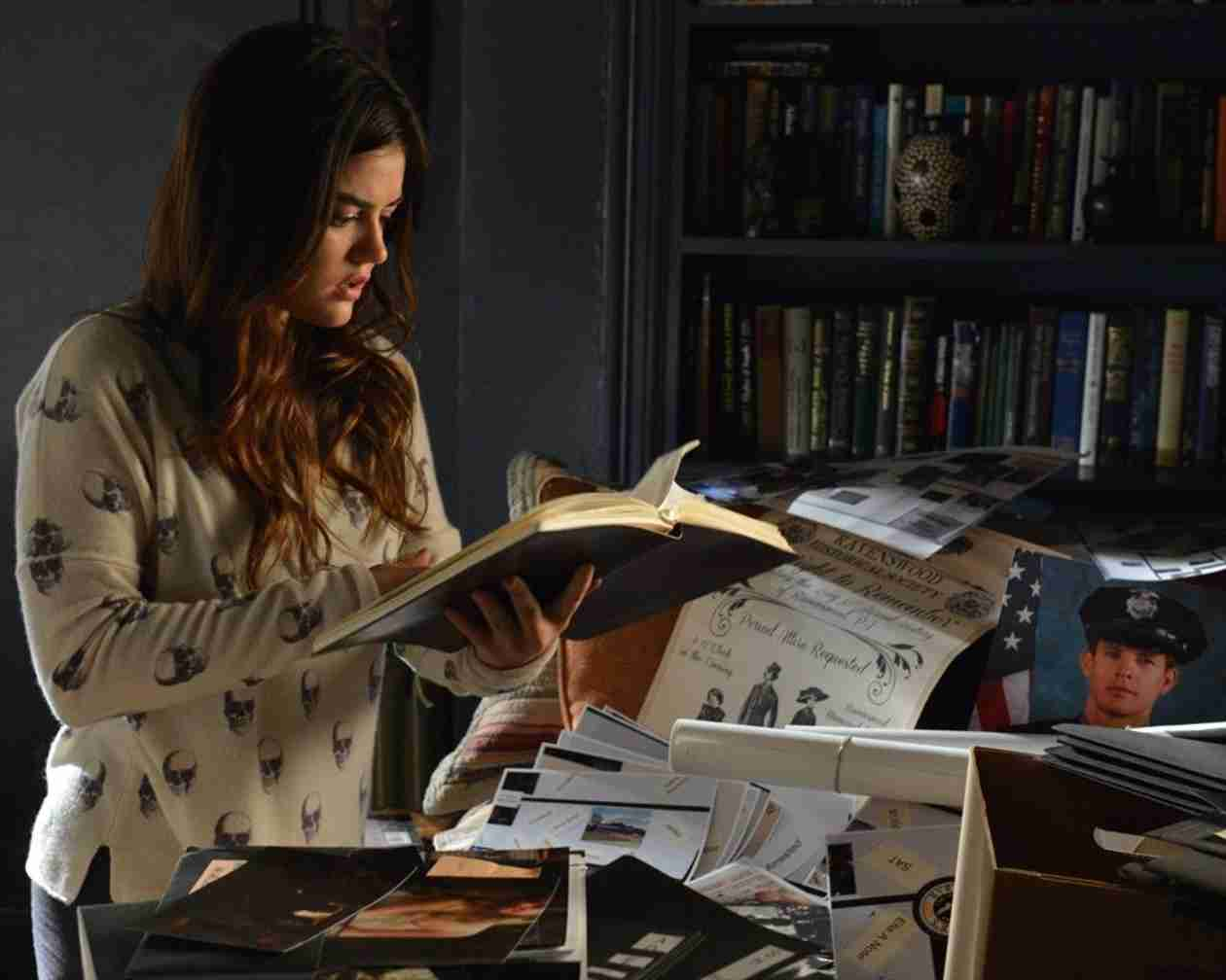 5 Reasons Aria Needs to Be Single on Pretty Little Liars