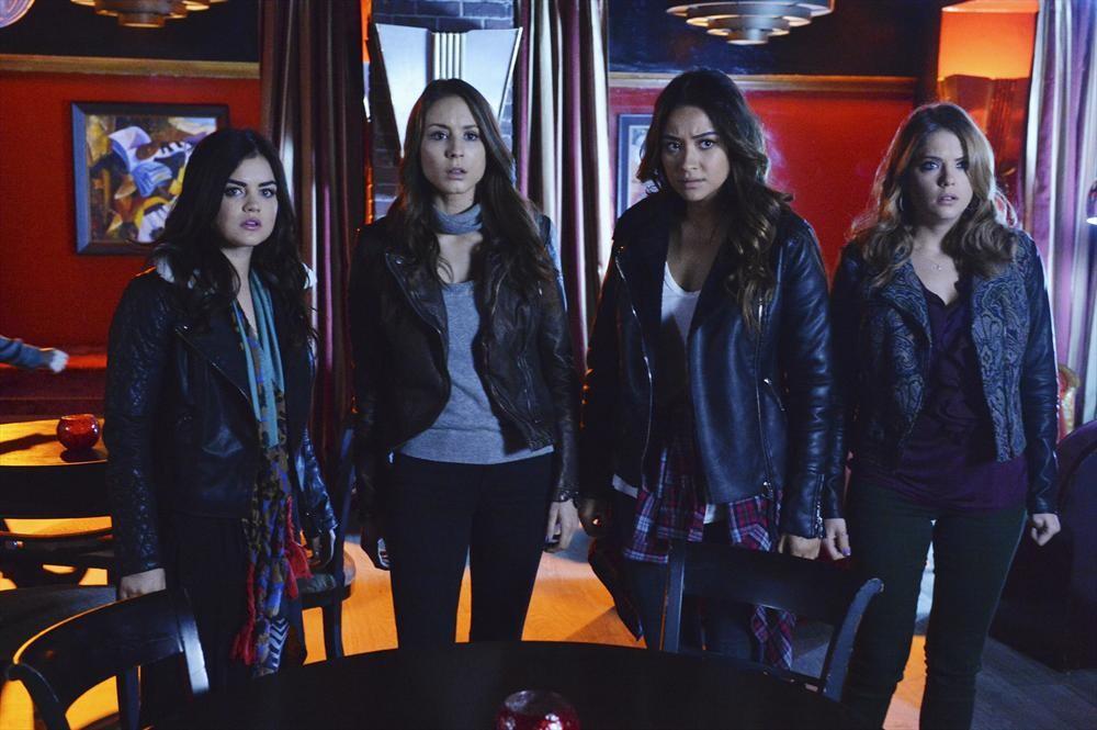 "Pretty Little Liars Season 5 Premiere Title Revealed — ""EscApe From New York"""