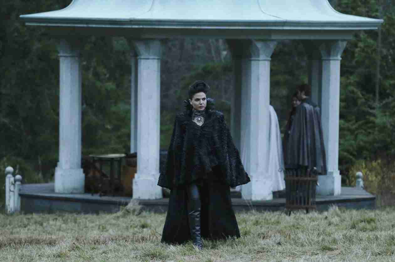 "Once Upon a Time Spoilers: Regina Is ""Afraid to Let Love In"""