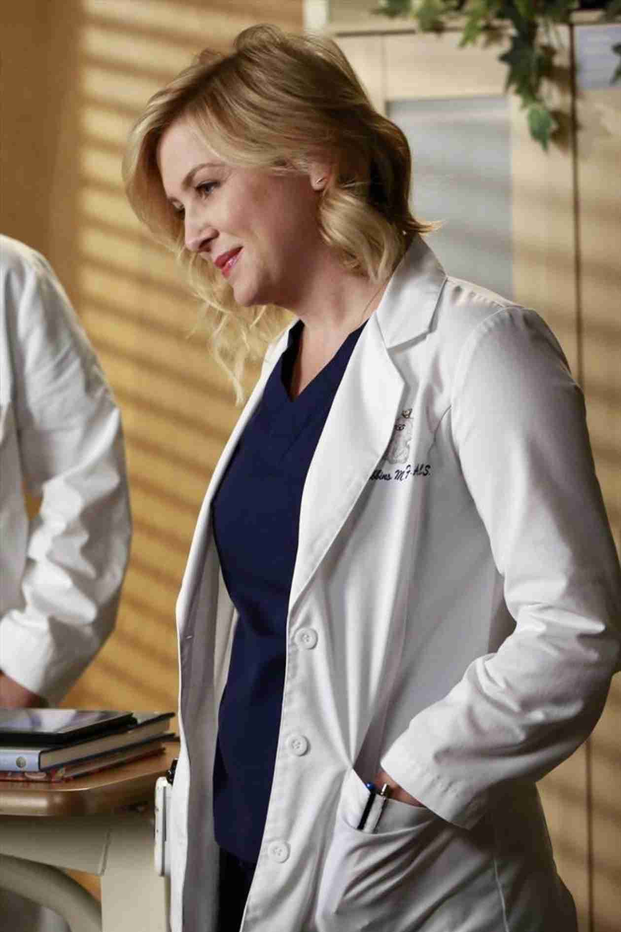 """Grey's Anatomy Season 10, Episode 15: What to Expect From """"Throwing It All Away"""""""