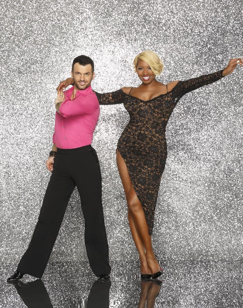 NeNe Leakes Posts Racy Pic With Tony Dovolani — What Will Gregg Think? (PHOTO)