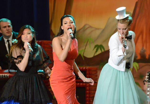 "Original Glee Cast Member Tweets: ""Miss U Guys"" — Confirms She's Off The Show"