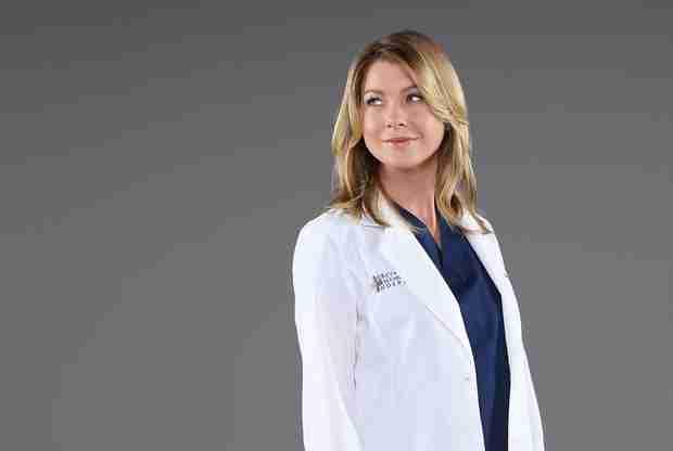 Ellen Pompeo Treats Grey's Anatomy Cast and Crew to Food Truck — With Lasagna Cupcakes?!
