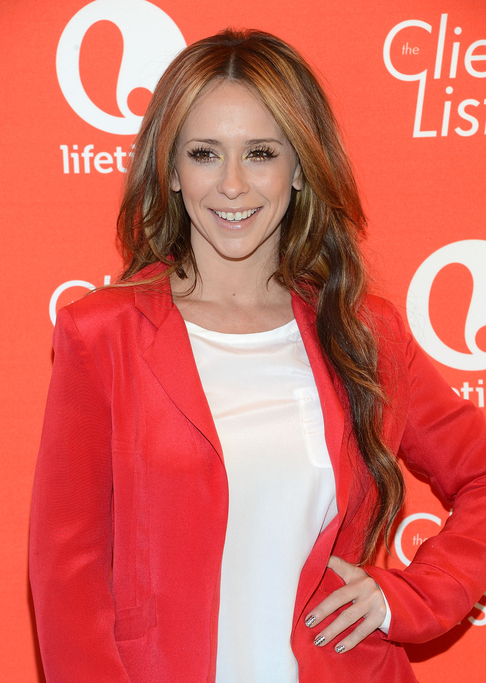 "Jennifer Love Hewitt Talks Losing Baby Weight: ""The Baby's Most Important"" (VIDEO)"