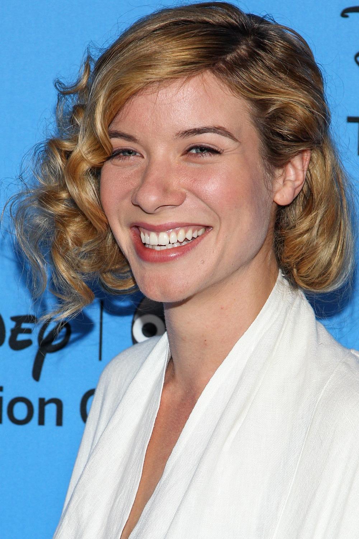 Grey's Anatomy's Tessa Ferrer Joins Extant, Halle Berry's New TV Series