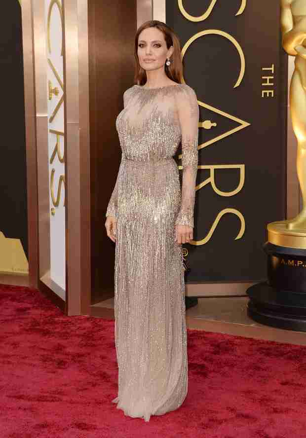 "Did Angelina Jolie Call Kim Kardashian a ""Witless Bimbo""? — Rumor Patrol"