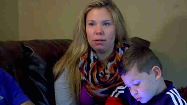 "Kailyn Lowry Says ""Alcohol Is a Drug"" on Twitter"
