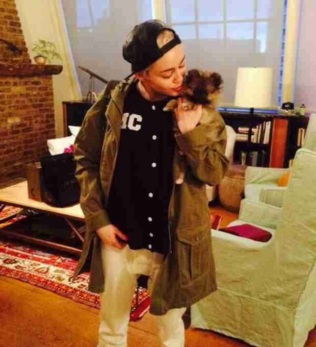Miley Cyrus Gives Away New Dog She Got After Floyd's Death — But Why? (VIDEO)
