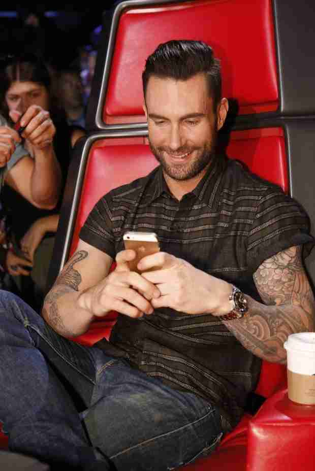 Blake Shelton Tweets Adam Levine's Real Phone Number During The Voice (VIDEO)
