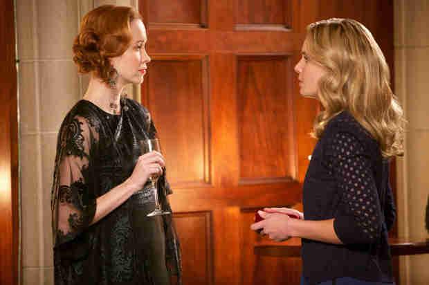 The Originals Sneak Peek: Season 1, Episode 18 — Klaus Threatens Genevieve (VIDEO)